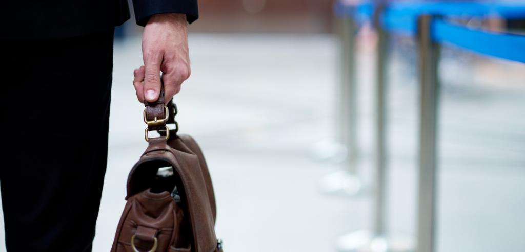 MRバック&営業鞄に求められる要素