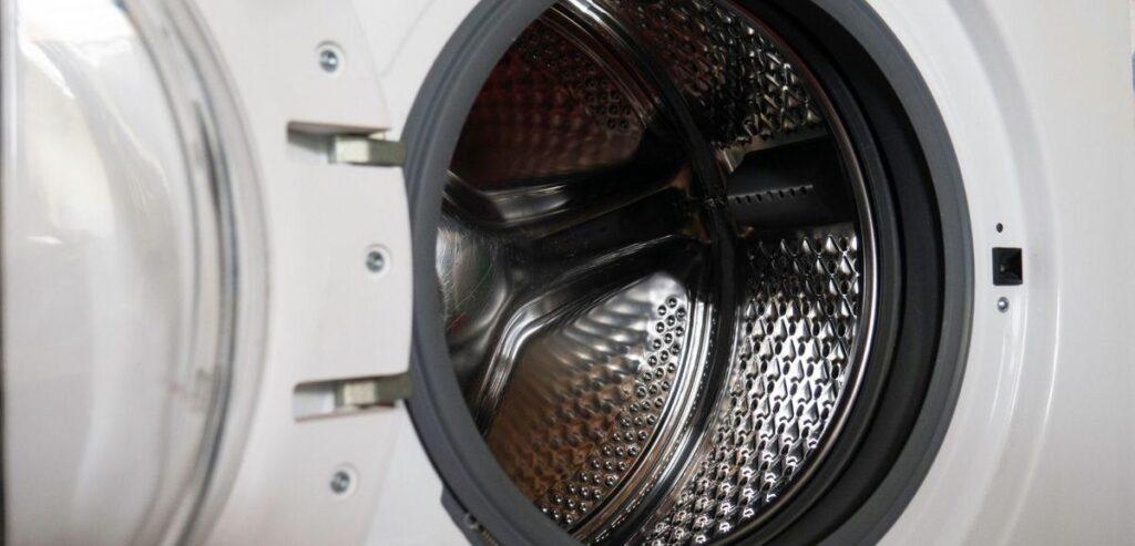 6位:ドラム式洗濯乾燥機