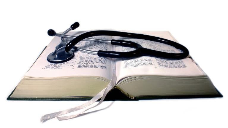 ステップ1:メディカルマイスター&専門書アカデミーで大きな本を処分する